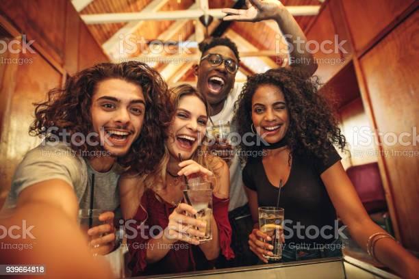 Group of friends taking selfie at night club party picture id939664818?b=1&k=6&m=939664818&s=612x612&h=kfoqtzwujkoojk23bwjluy4chr gl05tfldaceedgc0=