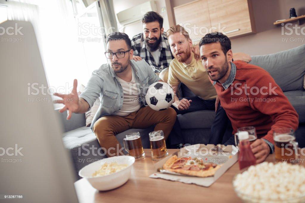 Gruppe von Freunden, die gerade Sport zusammen – Foto