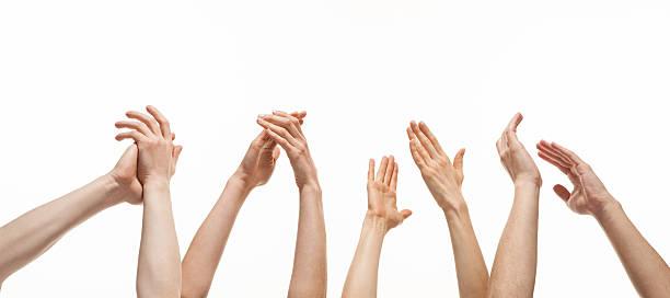 gruppe von händen applaudieren - klatschen stock-fotos und bilder