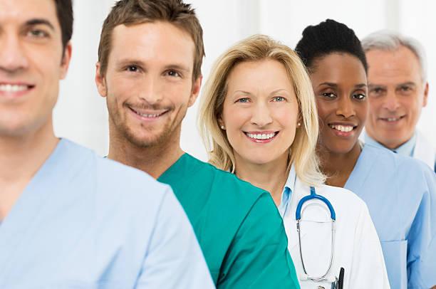 gruppo di felice medici - infermiera personale medico foto e immagini stock
