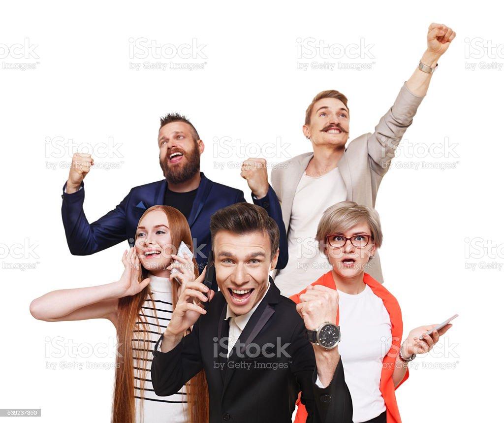 Grupo de feliz personas, noticias, venta, concepto de éxito foto de stock libre de derechos