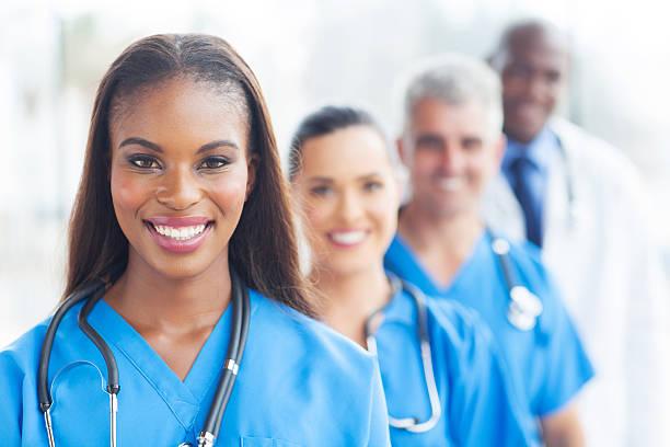 gruppe von healthcare worker - schwarze schlange stock-fotos und bilder