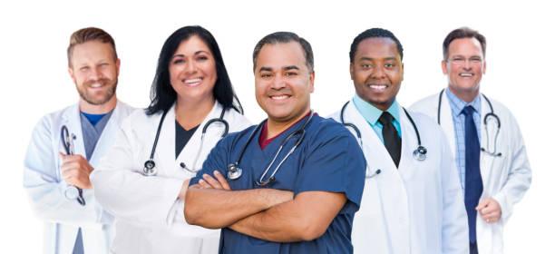 Gruppe von Gemischten Rasse weibliche und männliche Ärzte isoliert auf Weiß – Foto