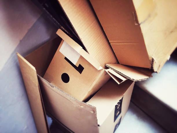 a group of open cardboard containers discarded - puste pudełko zdjęcia i obrazy z banku zdjęć