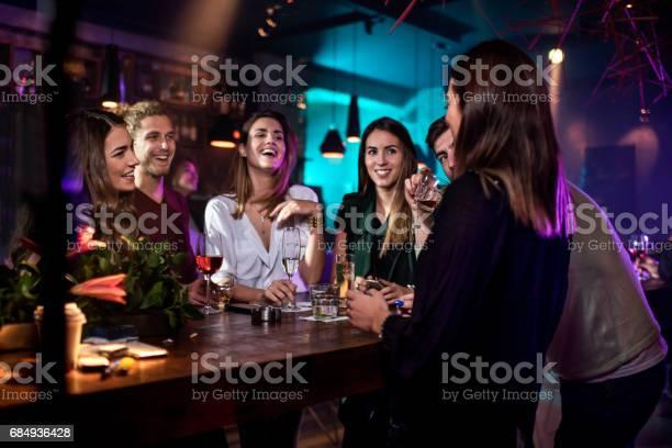 Group of people in the bar picture id684936428?b=1&k=6&m=684936428&s=612x612&h=ldulgmaalrqfyxpztdzxywphje7lmkzuepovmrhoaio=