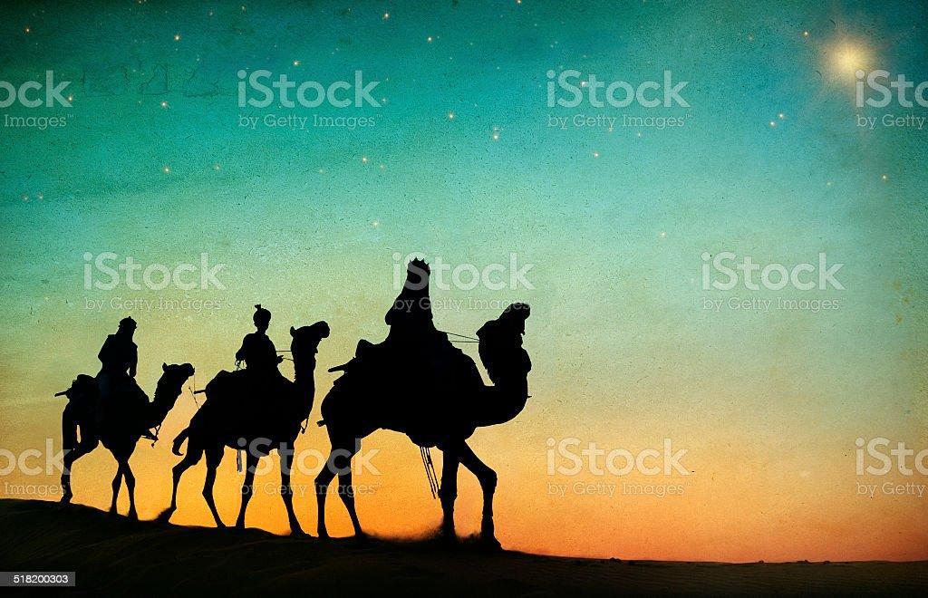 Grupo de pessoas dirigindo camelo isolado no fundo - Royalty-free Andar Foto de stock