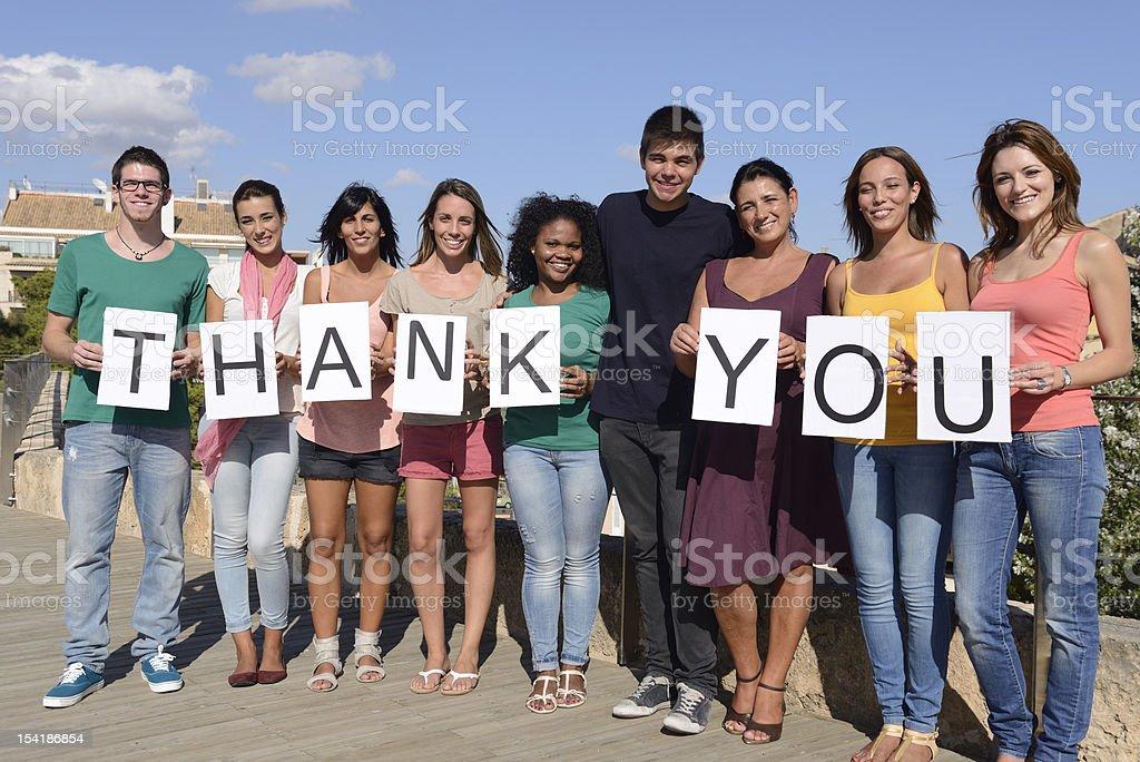 Grupo de la gente decir gracias - foto de stock