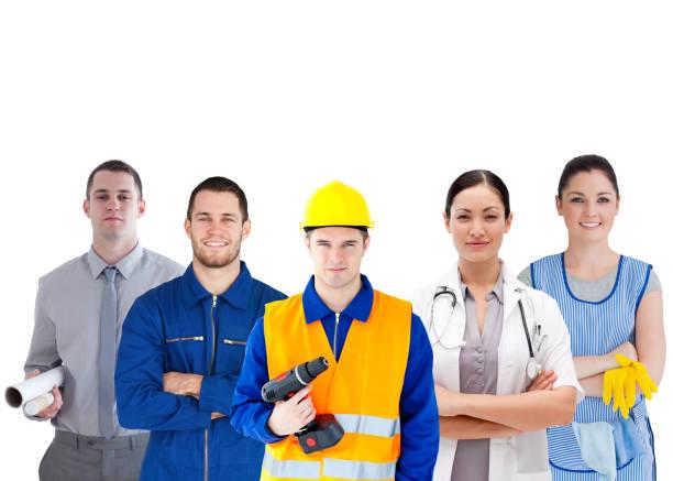 Groupe de personnes avec différents travaux debout bras plié - Photo
