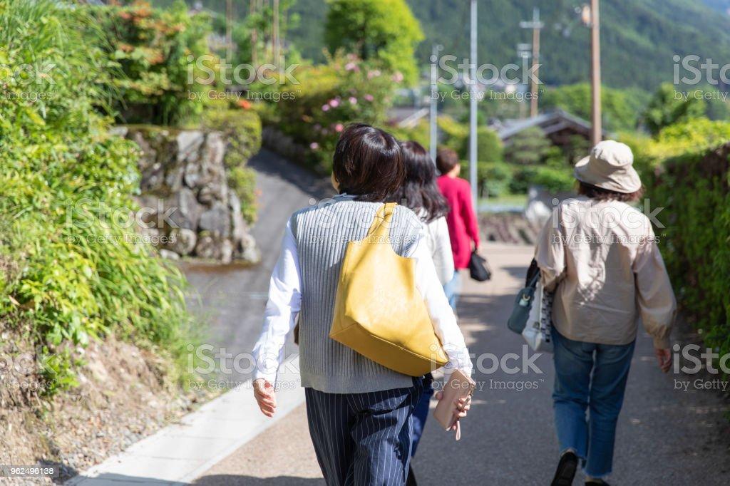 Grupo feminino japonês feminino sênior de férias - Foto de stock de 60 Anos royalty-free