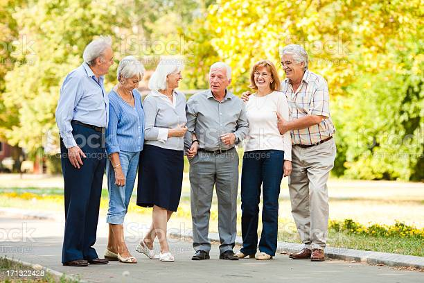 Group of senior people in park picture id171322428?b=1&k=6&m=171322428&s=612x612&h=sp g5krjxt1tonsysen9tosx o7grt7cbxtyib b9lq=