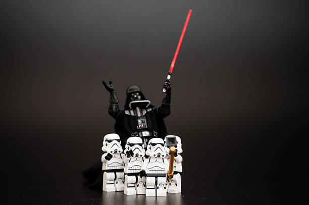 group of stormtroopers take a selfie with darth vader - darth vader 個照片及圖片檔