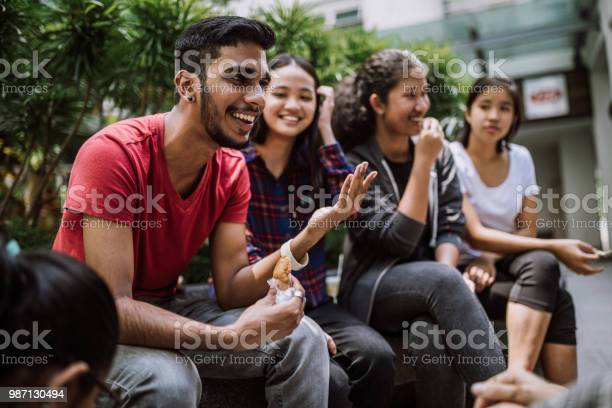Group of students joking and getting to know each other picture id987130494?b=1&k=6&m=987130494&s=612x612&h=sa6fa833gei1tvobk0a6wgyyjq5iwey8 8a0cwawwdo=