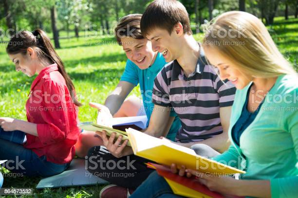 Group of students studying together picture id864573532?b=1&k=6&m=864573532&s=612x612&h=dkzfnqomg7efobv3pmgd4vw6xenyleydtv lessw cs=