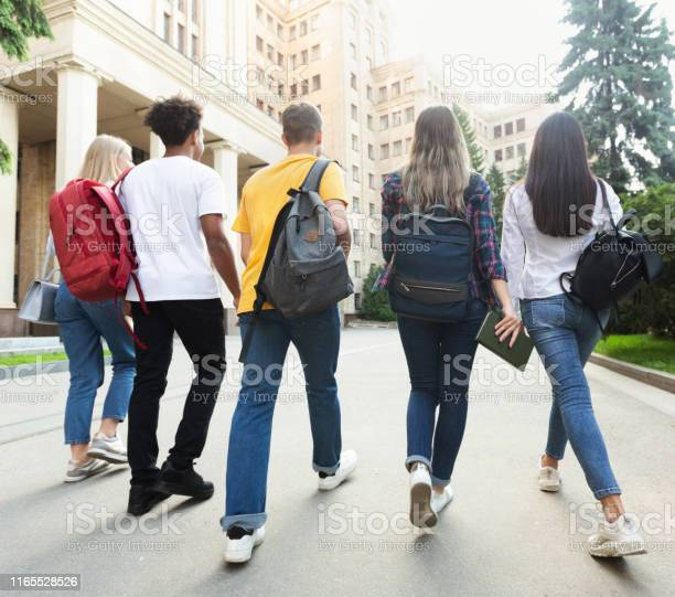 Group of students walking together in campus after studies picture id1165528526?b=1&k=6&m=1165528526&s=612x612&h=6phaflaop3fkiux29osheacrbmrgy6ries5wcfhqa1o=