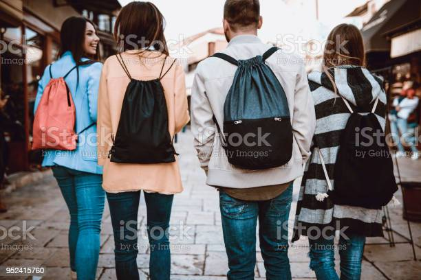 Group of students with backpacks walking after school picture id952415760?b=1&k=6&m=952415760&s=612x612&h=sthw6vxak1t7afm7e1ukdlzx4wuabeowhbaenq16hqo=