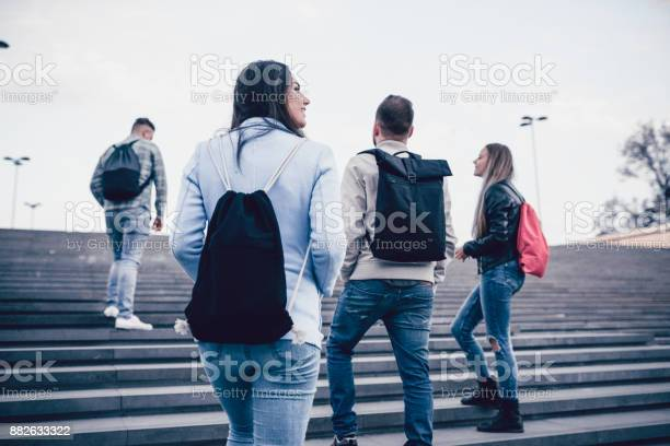 Group of students with backpacks walking to school picture id882633322?b=1&k=6&m=882633322&s=612x612&h=v43gpkdvvgftvfaubnlp ztg7fxpijv6g1nzgv6qrtc=