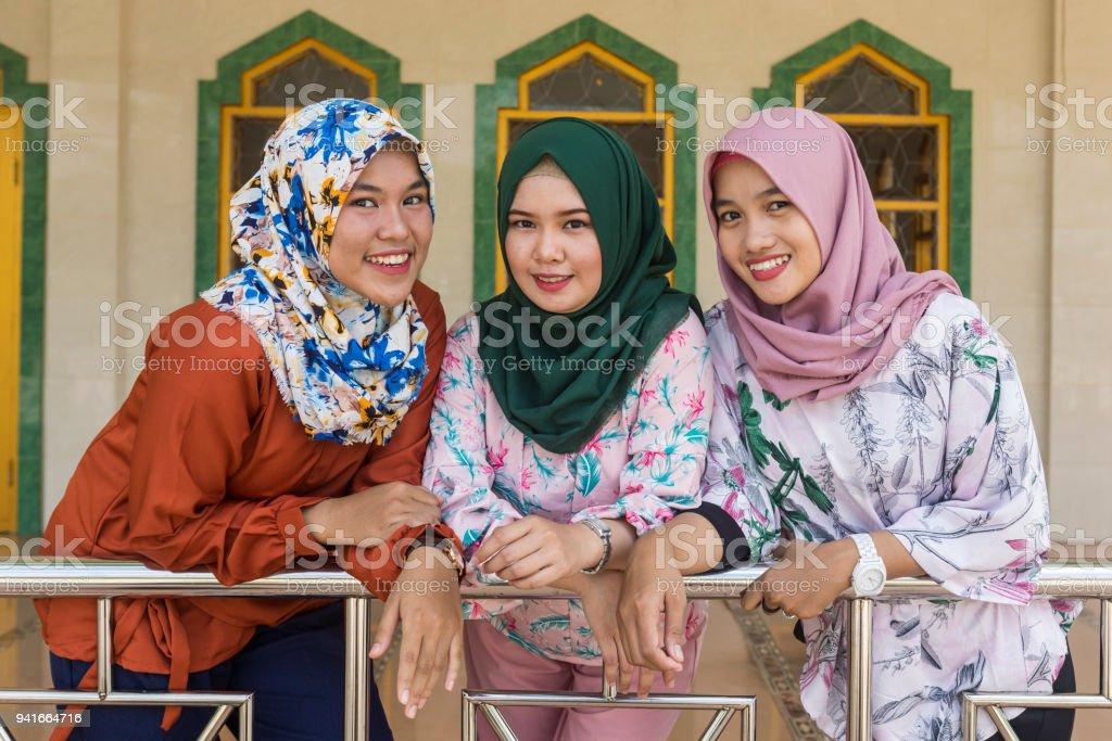 Drei asiatische Frauen #10