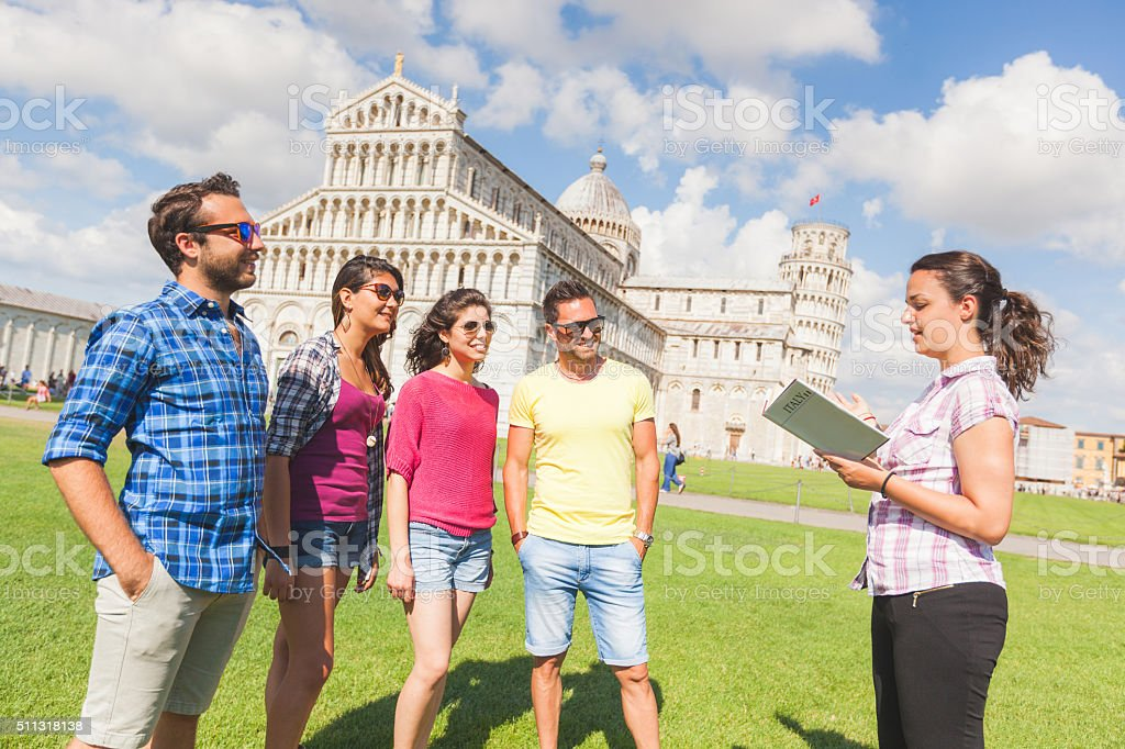 Groupe de touristes à Pise, Italie - Photo