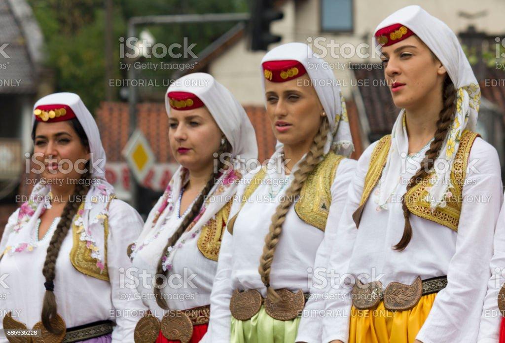 groups of girls bosnian