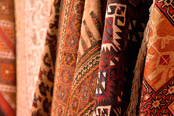 gruppe von türkischen teppichen ausgestattet. - teppich geometrisch stock-fotos und bilder