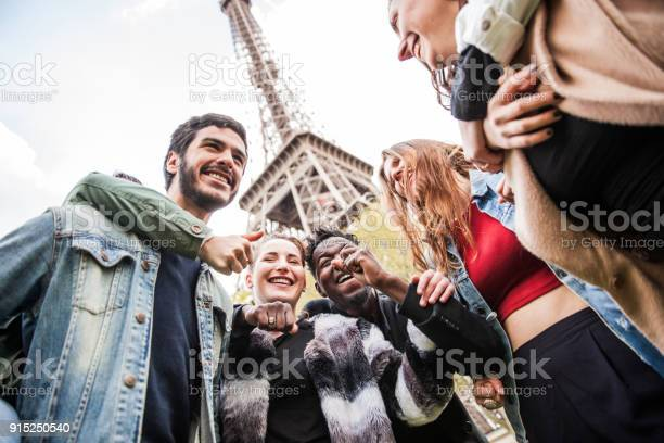 Group of university students in visit to paris france with teacher picture id915250540?b=1&k=6&m=915250540&s=612x612&h=zerj5 qpbvjxezncyeic9t5gkm kpwggwgox88xmjqo=