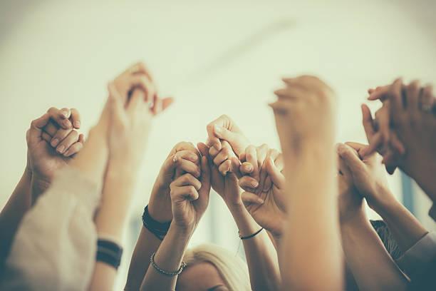 그룹의 여자대표 쥠 제공합니다. unity 컨셉입니다 - 책임 뉴스 사진 이미지