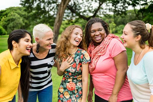 Gruppe Von Frauen Sozialisieren Teamwork Happiness Concept Stockfoto und mehr Bilder von Besitz
