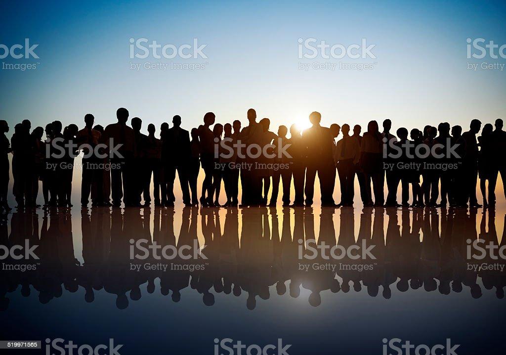 Gruppe der Geschäftsleute im Gegenlicht – Foto