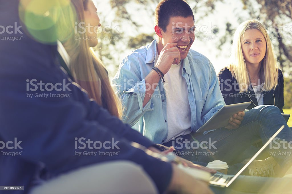 Group of young people using technology - Royalty-free 20-24 Years Stock Photo