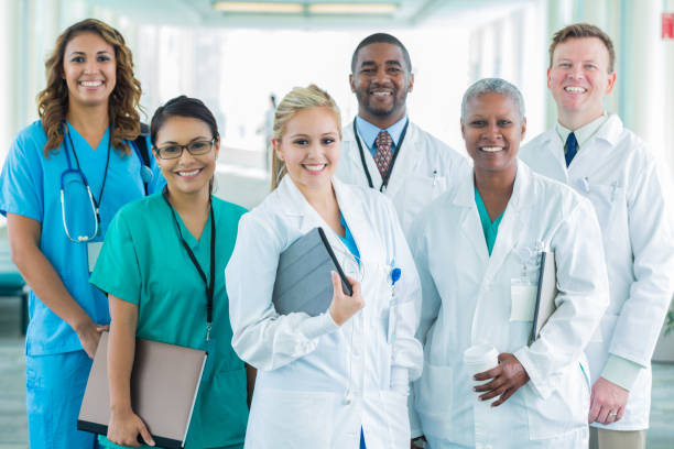 Group photo of diverse medical professionals - foto stock