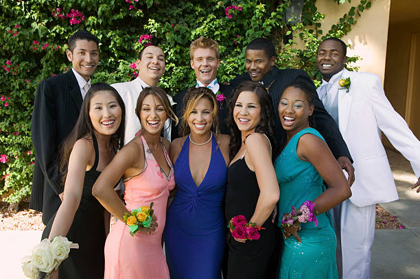 Group Photo of Well-Dressed Teenagers Smiling Teenagers Dressed for School Dance evening wear stock pictures, royalty-free photos & images