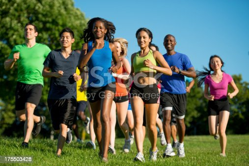 istock Group run 175503428
