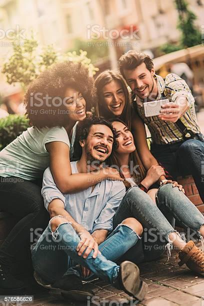 Group selfie picture id576586626?b=1&k=6&m=576586626&s=612x612&h=hp1qeobeyusa044d8a1j9rvh94mr kc dqtolocalgq=