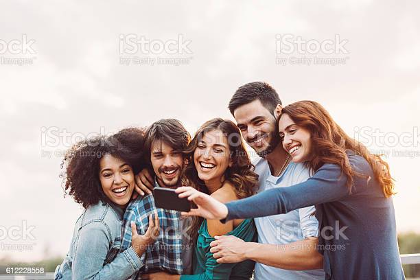 Group selfie picture id612228558?b=1&k=6&m=612228558&s=612x612&h= 1uzqmisbwhjudo0xnz4keah2wwktt8i3cag ybm2rw=