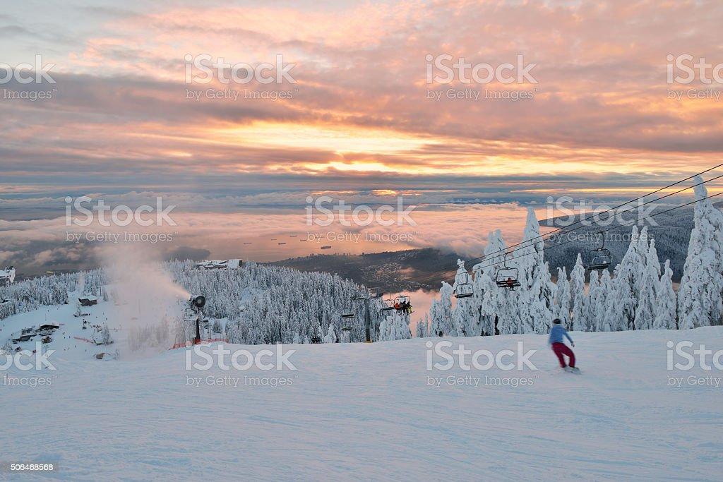 Auerhahn Berg Ski Hügel ein Sonnenuntergang – Foto