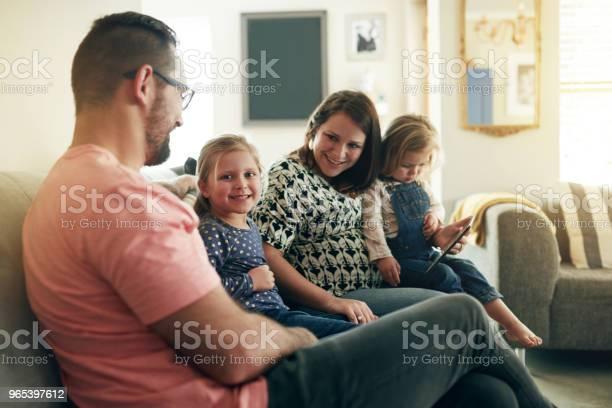 Rozwijanie Połączonej Rodziny - zdjęcia stockowe i więcej obrazów Beztroski
