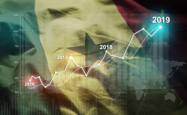 wachsende finanzielle 2019 statistik gegen senegal fahne - senegal news stock-fotos und bilder