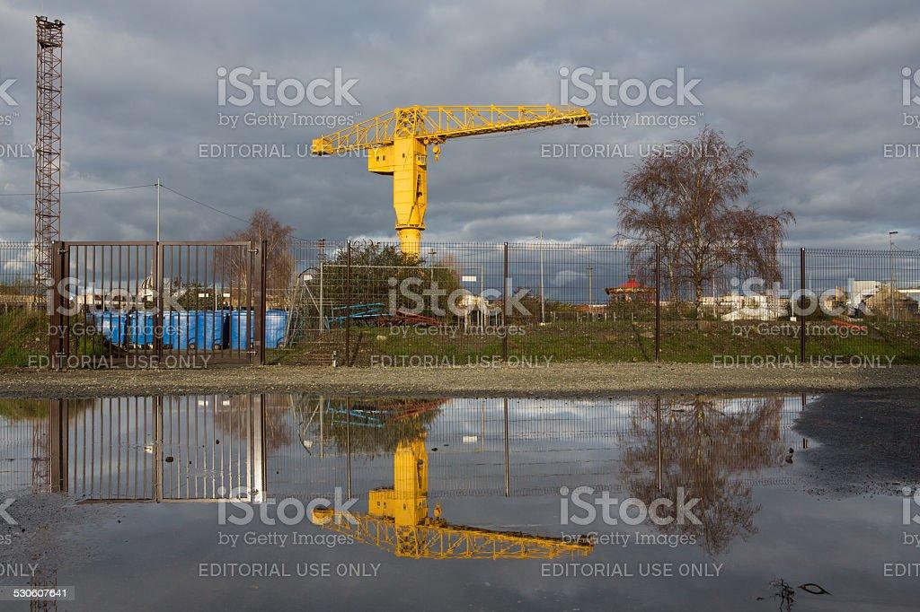 Grue Titan jaune - Yellow Crane Nantes stock photo