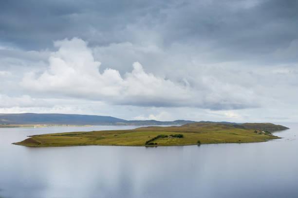 gruinard island, the anthrax island, scotland - antrace foto e immagini stock