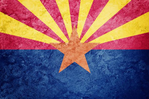 Bandeira grunge do estado do Arizona. Bandeira do Arizona fundo textura grunge. - foto de acervo