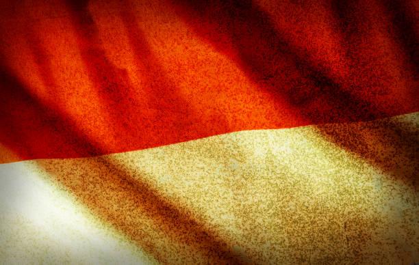 grunge filtrado, a bandeira nacional de indonésia - bandeira da indonesia - fotografias e filmes do acervo