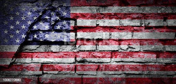 istock Grunge flag of USA 1006270880