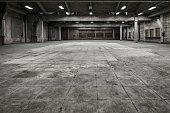 istock Grunge hall of abandoned factory 511382604