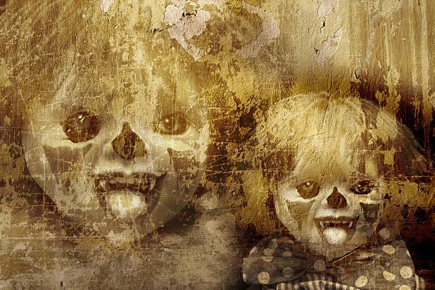 grunge-halloween-hintergrund - horror zirkus stock-fotos und bilder