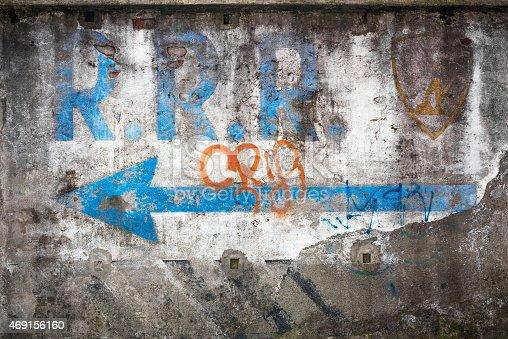 istock Grunge wall 469156160