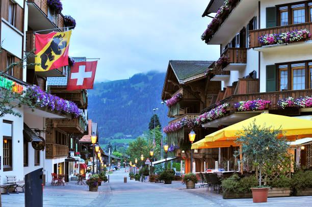 gstaad, schweiz - hotel bern stock-fotos und bilder