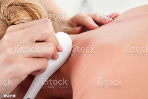 Gua Sha Akupunkturbehandlung Stockfoto und mehr Bilder von Abschaben