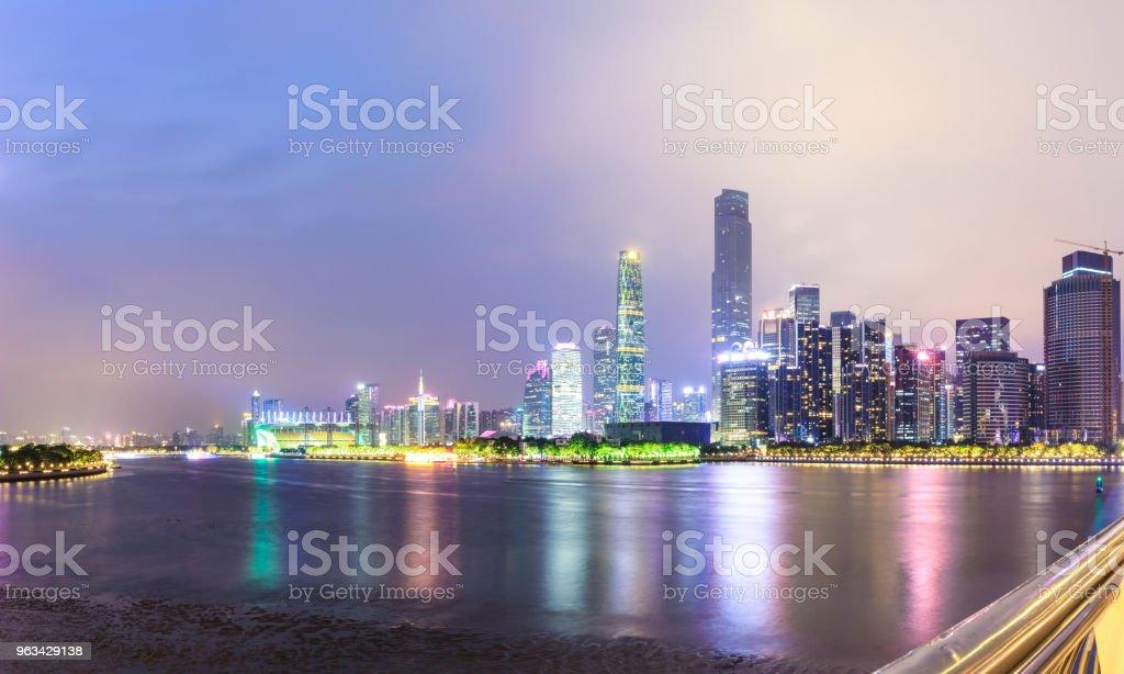 Guangzhou city skyline panorama on the zhujiang river at night - Zbiór zdjęć royalty-free (Architektura)