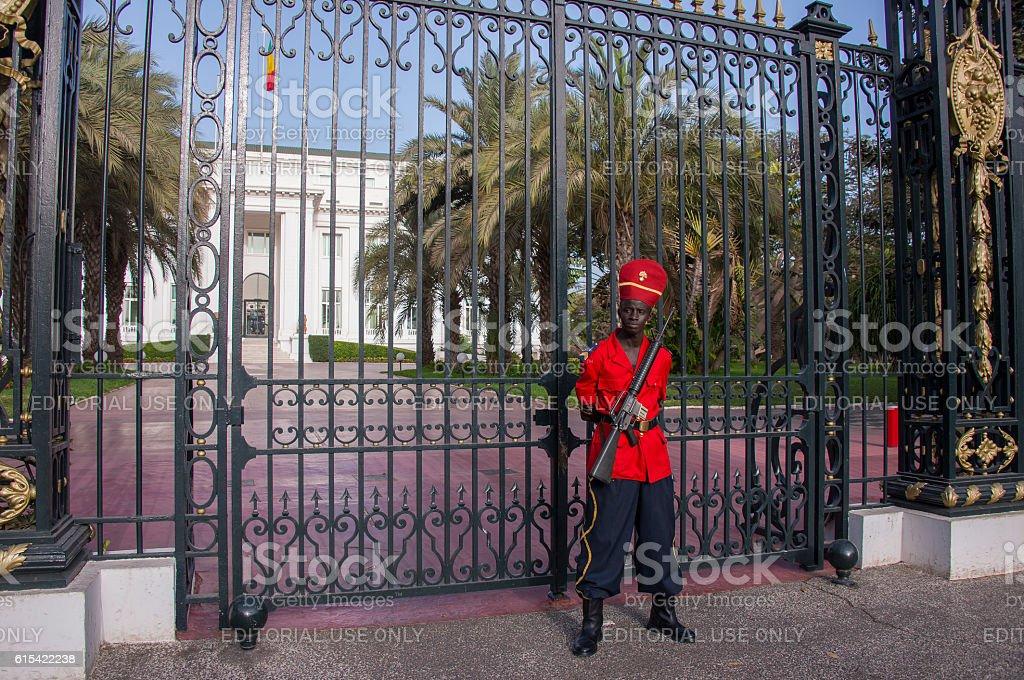 Guard at the presidential palace in Dakar, Senegal - foto de stock