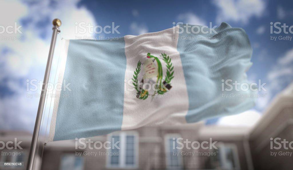 Guatemala bandera procesamiento 3D sobre fondo azul Sky Building - foto de stock